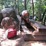 Подновяване на лака на пейките