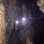 Работна среща в пещера